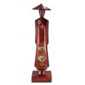 Moyenne statuette en bois rouge Miss Saïgon incrustée de nacre