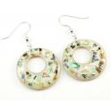Boucle d'oreille en nacre abalone - Fond clair et paillettes cercle percé décentré