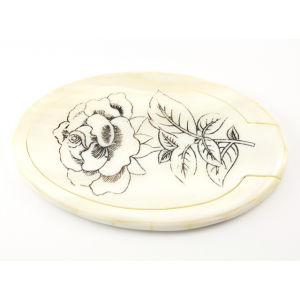 Miroir ovale en nacre blanche motif Rose