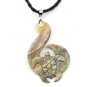 Pendant - Engraved Mother of Pearl from Tahiti - Sea turtle - Moana honu Mahue