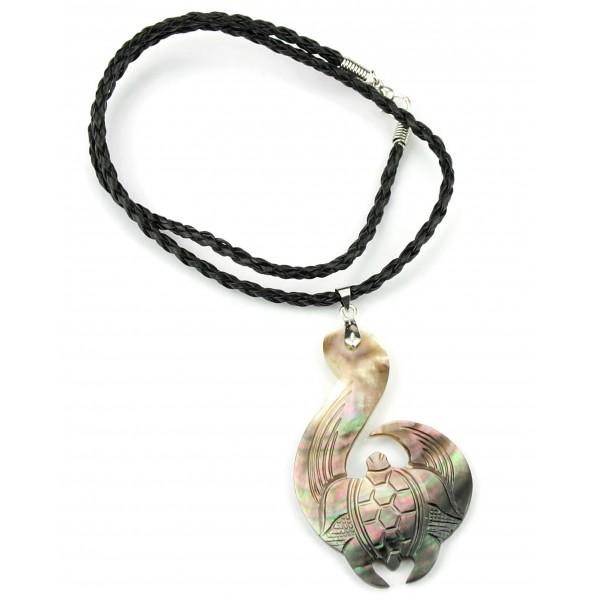 Pendant engraved mother of pearl from tahiti sea turtle pendant engraved mother of pearl from tahiti sea turtle moana honu mahue aloadofball Image collections