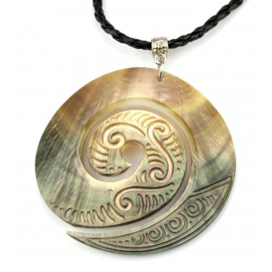 Necklace - Engraved Mother of Pearl from Tahiti - Koru Spiral