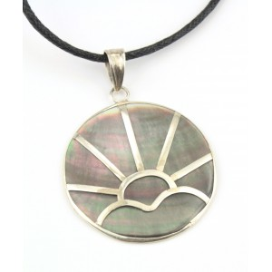 Pendant in black mother of pearl and 925 Sterling silver - Rising sun