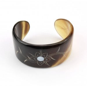 Cuff in genuine natural buffalo Horn Bracelet engraved with mother of pearl inlaid