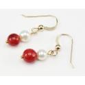 Boucle d'oreille Plaqué Or 18 Carats Crochet Perle d'eau douce Blanche et Corail rouge
